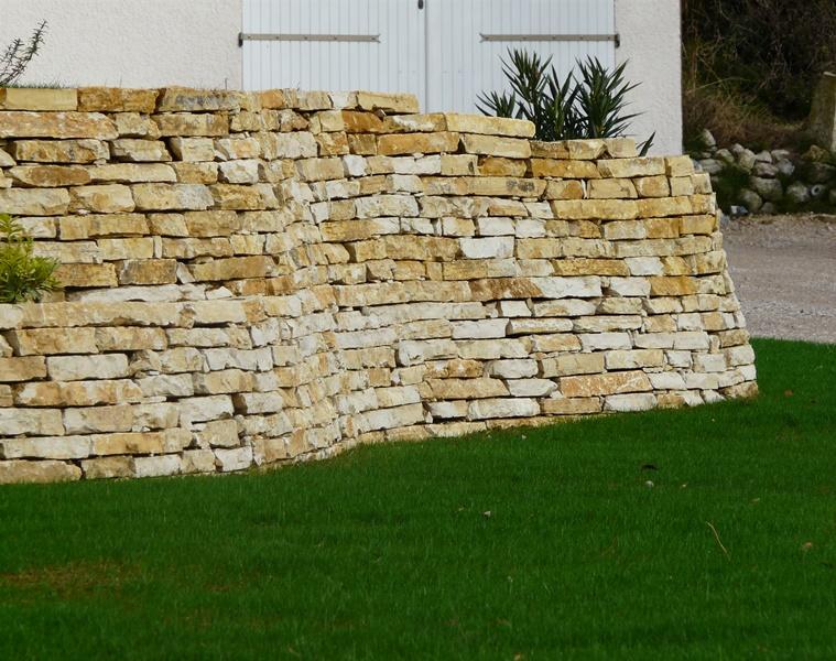 muret de jardin en pierre perfect pierre reconstitue de france with muret de jardin en pierre. Black Bedroom Furniture Sets. Home Design Ideas